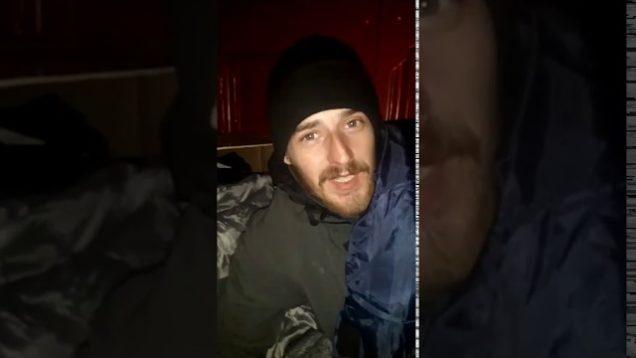#Homeless Irishman Hasn't Heard of New Patriotic Parties! Sleeps at Church Door & Gets Fed By Priest